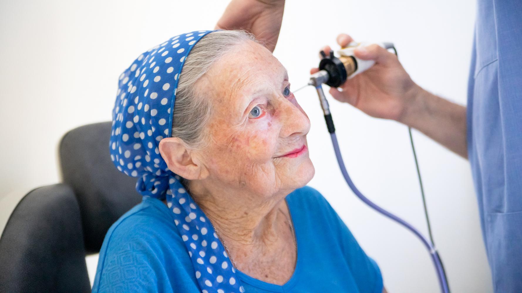 Шум в ушах: причины и методы лечения